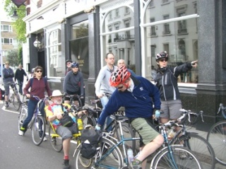 Pointing out Rolling Stones location on lambethcyclists.org.uk