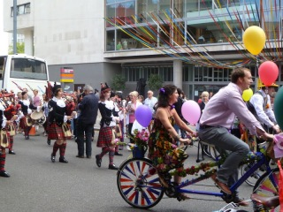 Southbank floral bicycle parade 6 on lambethcyclists.org.uk