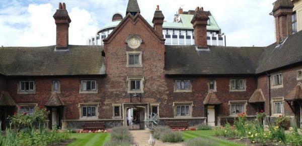 Whitgift Almshouses on lambethcyclists.org.uk
