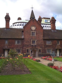 Whitgift Almshouses Croydon on lambethcyclists.org.uk